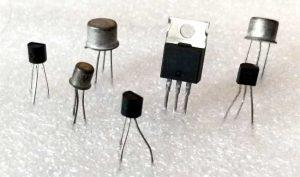 ترانزیستور چیست، تست ترانزیستور ، انواع ترانزیستور،تاریخچه و طرز کار ترانزیستور و قطعات الکترونیکی،سوئیچینگ،دارلینگتون ،کلکتور،امیتر مشترک ، لامپ های خلاء ...