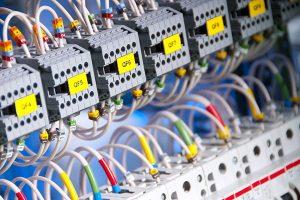 دانلود گزارش کامل کارآموزی آشنایی با تاسیسات الکتریکی